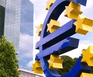 euro-sign-frankfurt-germany